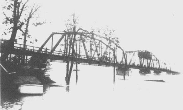 Hist tragedies flood p2 flood 1937 ln railroad bridge across the cumberland river sciox Image collections